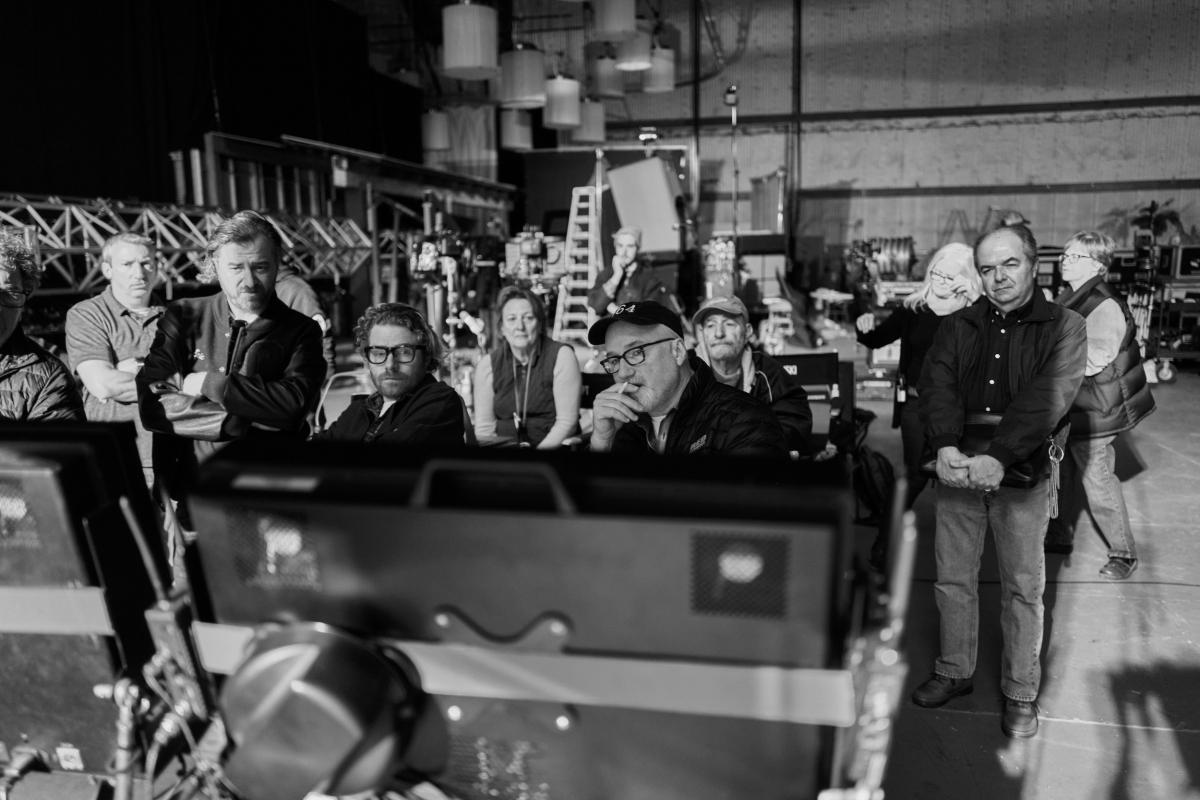 How 'Mank' Cinematographer Erik Messerschmidt Illuminated a MonochromePalette